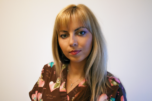 Dr. Adriana Feier